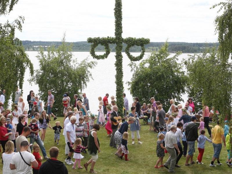 Midsommarviering bij Kröngården